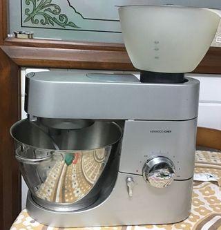 Robot kenwood chef