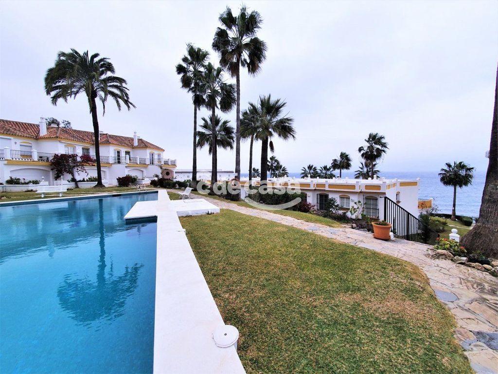 Se alquila la casa en Estepona primera línea Victoria beach (Urbanización Puerto de Estepona, Málaga)