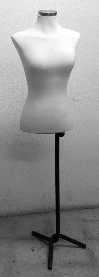 Maniquí vintage color blanco con pie