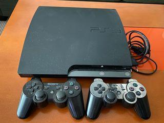 PlayStation 3 Slim + dos mandos