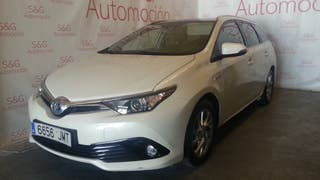 Toyota Auris hibrid advance panorama
