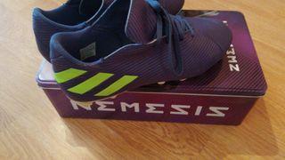 Botas de fútbol NEMESIS