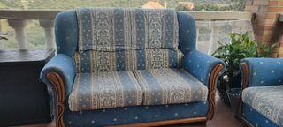 Sofá y sillón antiguos