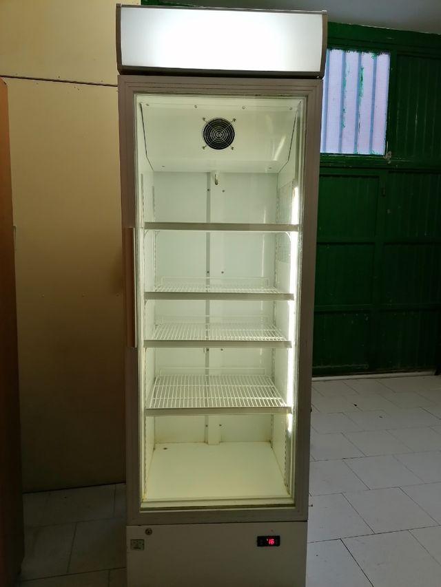 Se vende frigorifico/expositor