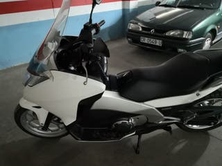 Moto Honda Integra 700