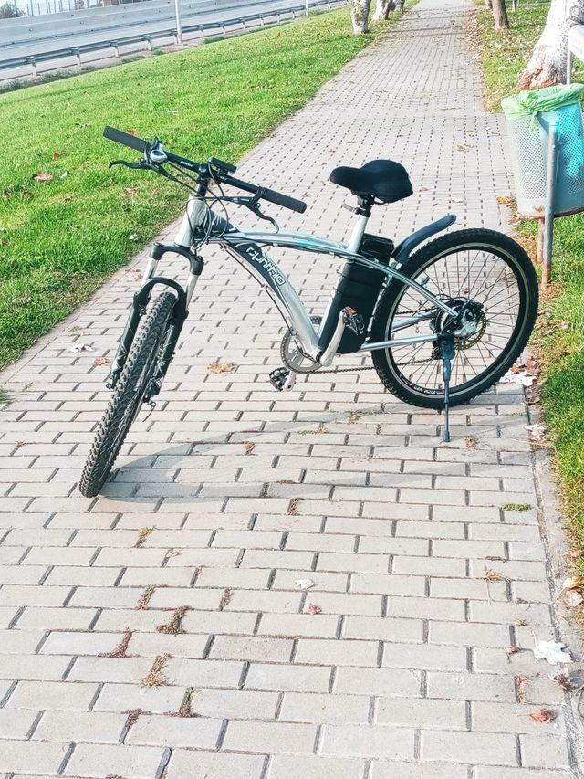 bicicleta electrica de montaña.