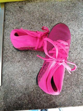 botas de fútbol niña
