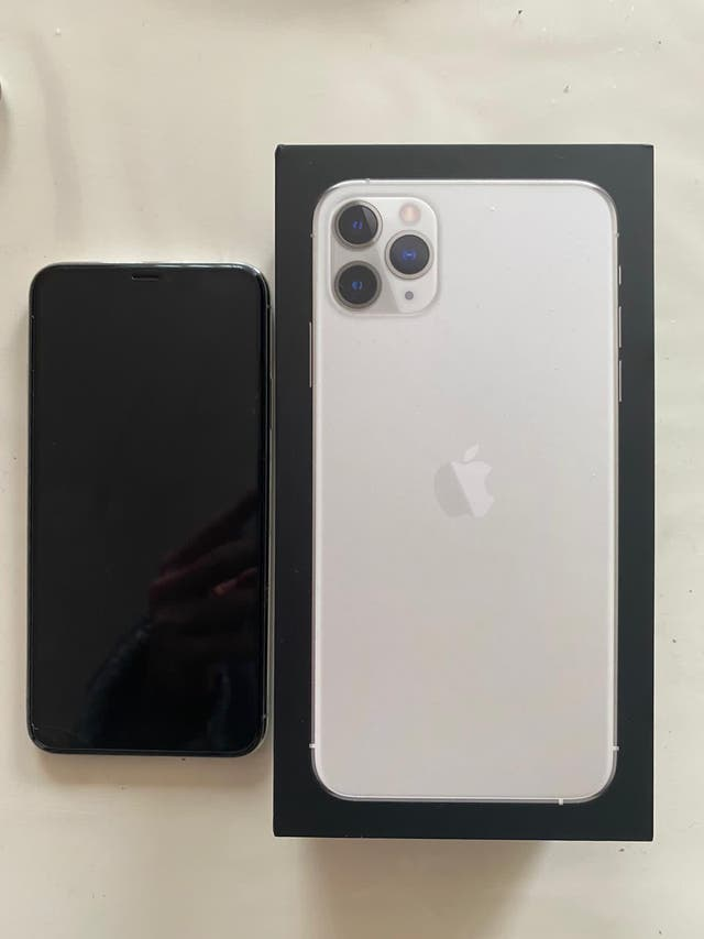 iPhone 11 Pro Max 256gb 6months