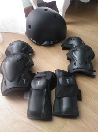 Proteciones y casco patines Powerslide