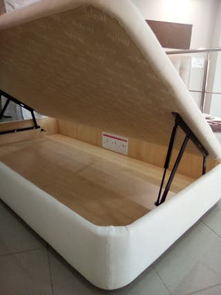 Canapé 105*190 cm.