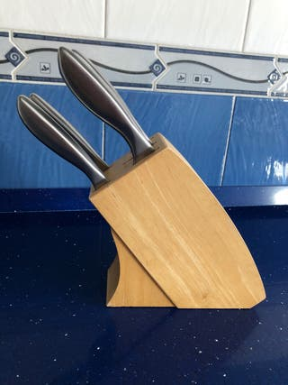 Tacoma con juego de cuchillos de cocina