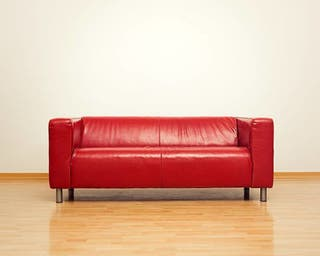 Sofá dos plazas piel rojo Ikea (negociable)