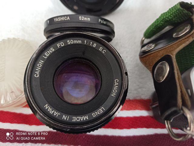 Cámara Reflex CANON AV1 con zoom y más