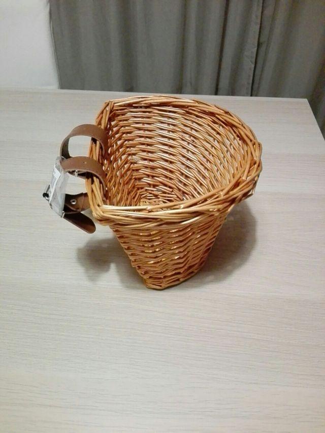 Cesta bicicleta de mimbre
