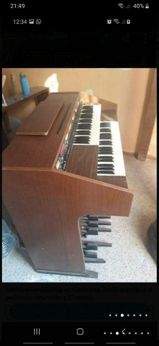 Organo antigüo vintage