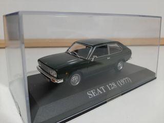 Maqueta Seat 128 (1977)