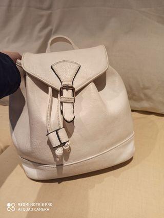 bolso mochila blanco