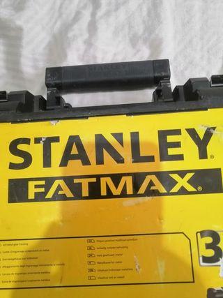taladro percutor Stanley fatmax.