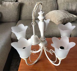 Lámpara muy nueva