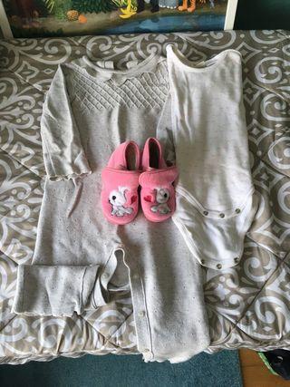 Zapatillas 22 y pijama 18-24