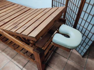 Camilla madera reclinable masaje