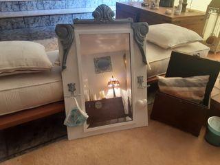 Espejo y perchero antiguo recuperado y restaurado