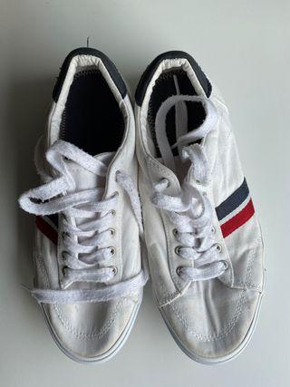 Zapatillas blancas Pull & Bear talla 40