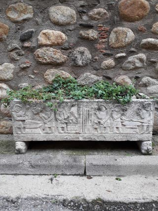 Jardineras piedra antiguas