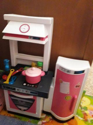 Cocinita juguete con frigo
