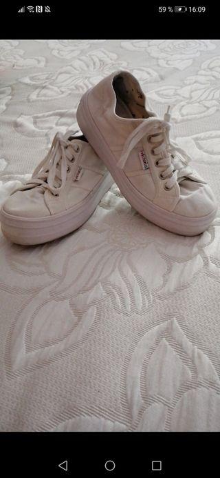 zapatillas victoria de lona blancas