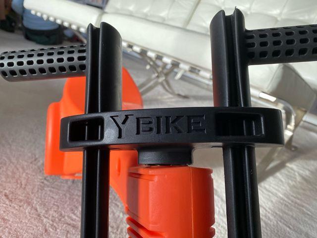 Moto de juguete Y-bike