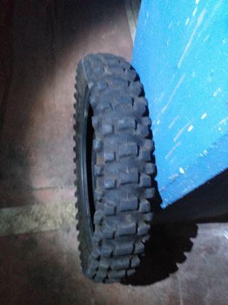 2 neumáticos cross enduro