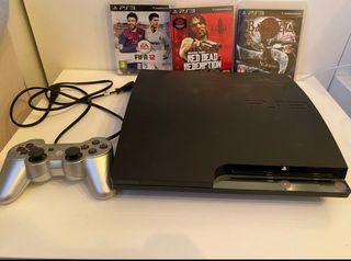 PS3 con dos mandos y 4 juegos
