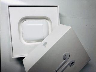 Apple AirPods con estuche de carga (1 generación)