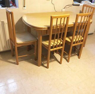Comedor mesa extensible + 4 sillas