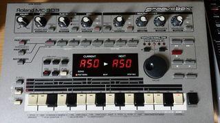 caja ritmos Roland MC 303 Groove box
