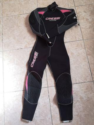 Equipo Buceo Mujer: traje + jackect+aletas+guantes