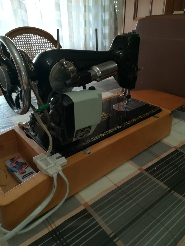 "Máquina de coser ""SIGMA"""