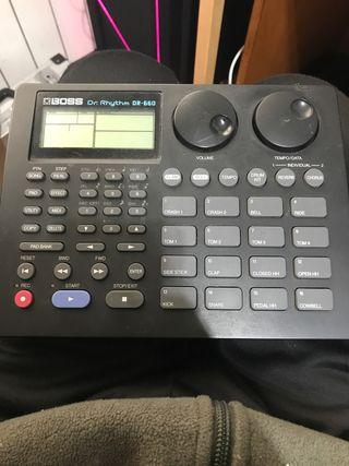 Caja de ritmos DR-660