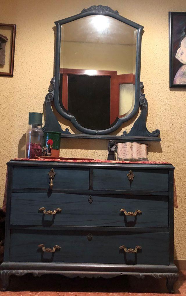 Mueble y espejo recibidor reformado
