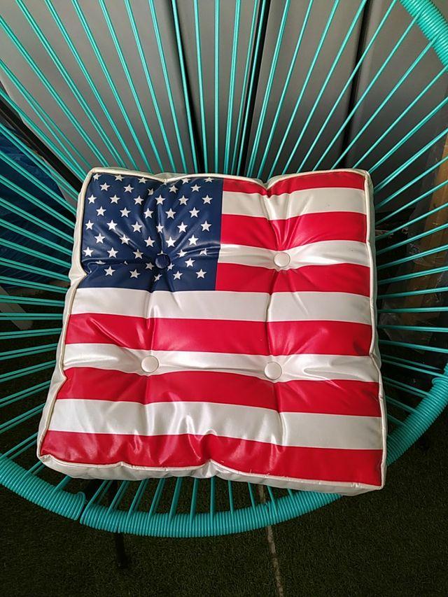 cojin de suelo americano