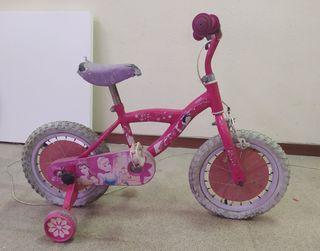 Bicicleta de las princesas con ruedines