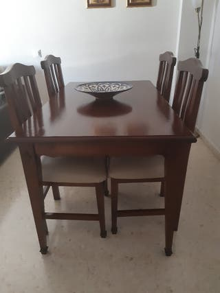 Mesa salón y 4 sillas