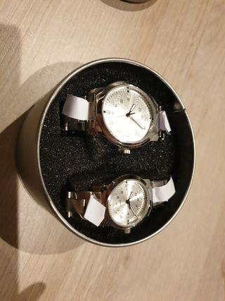juego relojes hombre y mujer a estrenar