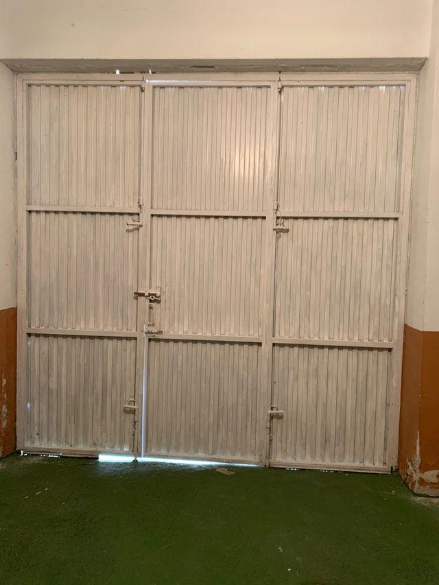 Puerta cochera 2,70 por 2,70