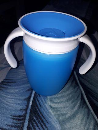 Vaso antiderrames (Sin usar)