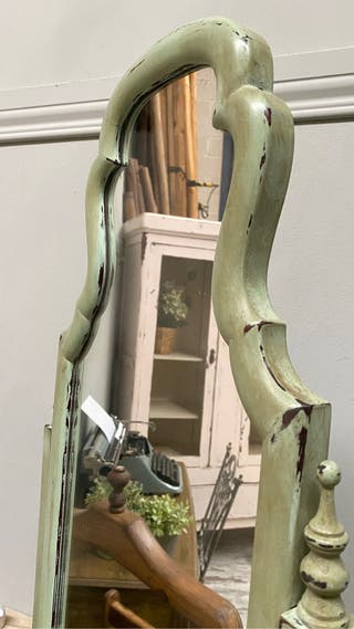 Espejo de pie antiguo, restaurado.