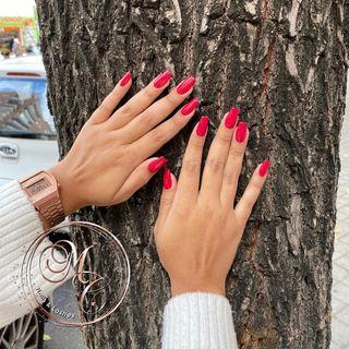 manicura semipermanente uñas acrílicas gel pedicur