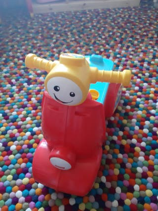 Correpasillos moto Fisher Price musical