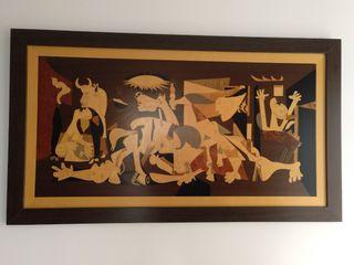 cuadro el Guernica realizado en marquetería
